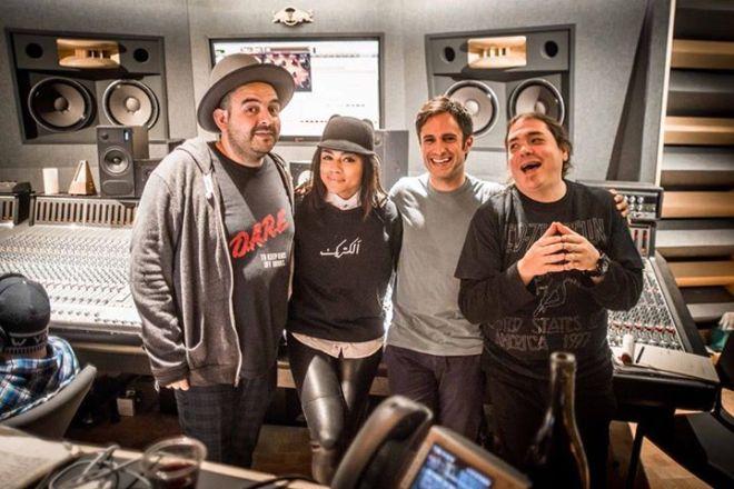Lara, Maluca, Gael Garcia Bernal & Toy recording Compass